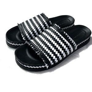 Sigerson Morrison Smaoven Woven Leather Slides 8